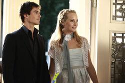 Damon e Caroline al giorno dei Festa dei Fondatori