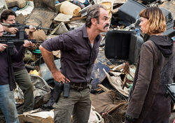 The-walking-dead-episode-810-simon-ogg-4-935