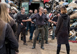 The-walking-dead-episode-810-simon-ogg-935