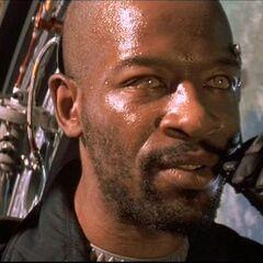 Lennie James como Jeb Walker en <i>Lost In Space</i>