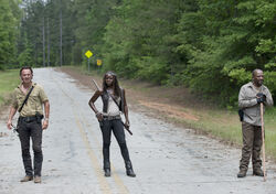The-walking-dead-season-6-first-look-rick-lincoln-michonne-gurira-935