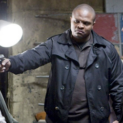 IronE Singleton como Scar en <i>Seeking Justice</i>