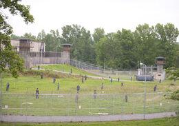 TWD-301-prison-yard