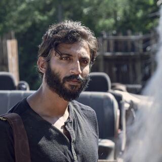 Avi Nash en el episodio