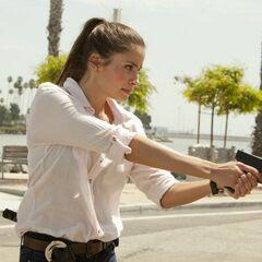 Mercedes Mason como <i>Isabel Zambada</i> en <i>The Finder</i>.