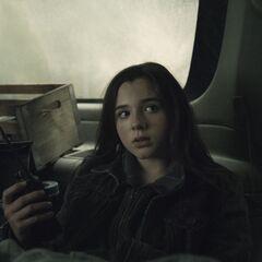 Alexa Nisenson en el episodio