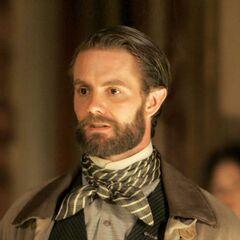 Garrett Dillahunt como <i>Francis Wolcott</i> en <i>Deadwood</i>.