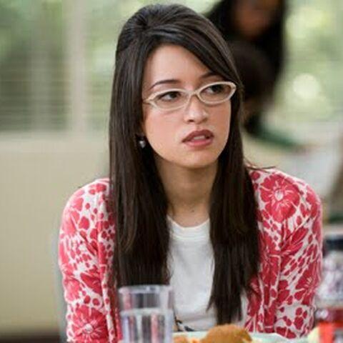 Christian Serratos como <i>Angela Weber</i> en <i>Twilight</i>.