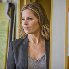 Kim Dickens en el episodio