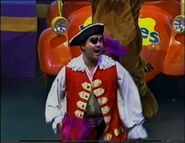 CaptainFeatherswordinTheWigglyBigShow3
