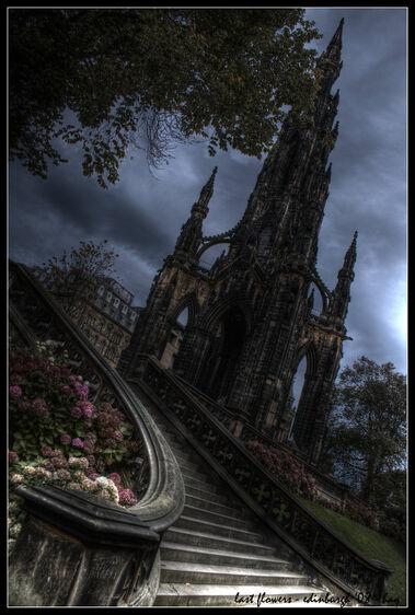 Edinburgh last flowers by haq