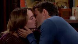 Summer & Kyle kiss