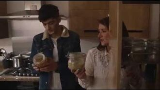 "One Direction ""This Is Us"" DVD Extra Zayn going home"