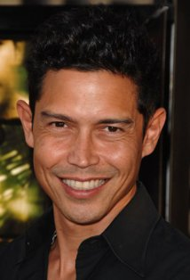 Anthony Ruivivar (photo)