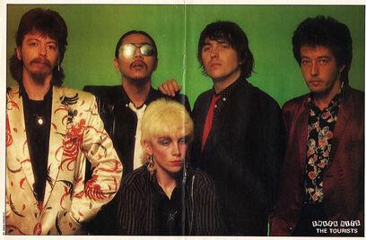 1980-03-06 Smash Hits 3 Tourists centrespread