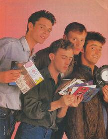 1987-07-15 Smash Hits singles review 1