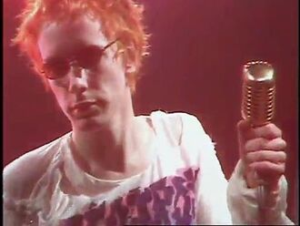 Sex Pistols - Pretty Vacant (TOTP)
