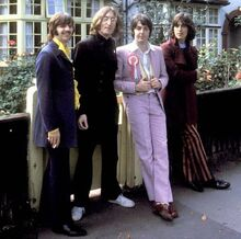 1968-07-28 beatles-mad-day-out 04-580x575