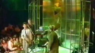 Depeche Mode - New Life ( Tops Of The Pops ) 1981 - Lyrics