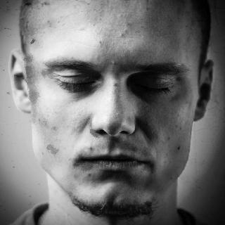 Фотография Павло когда он умирает/погибает