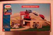 2001MountainTunnelSetBox