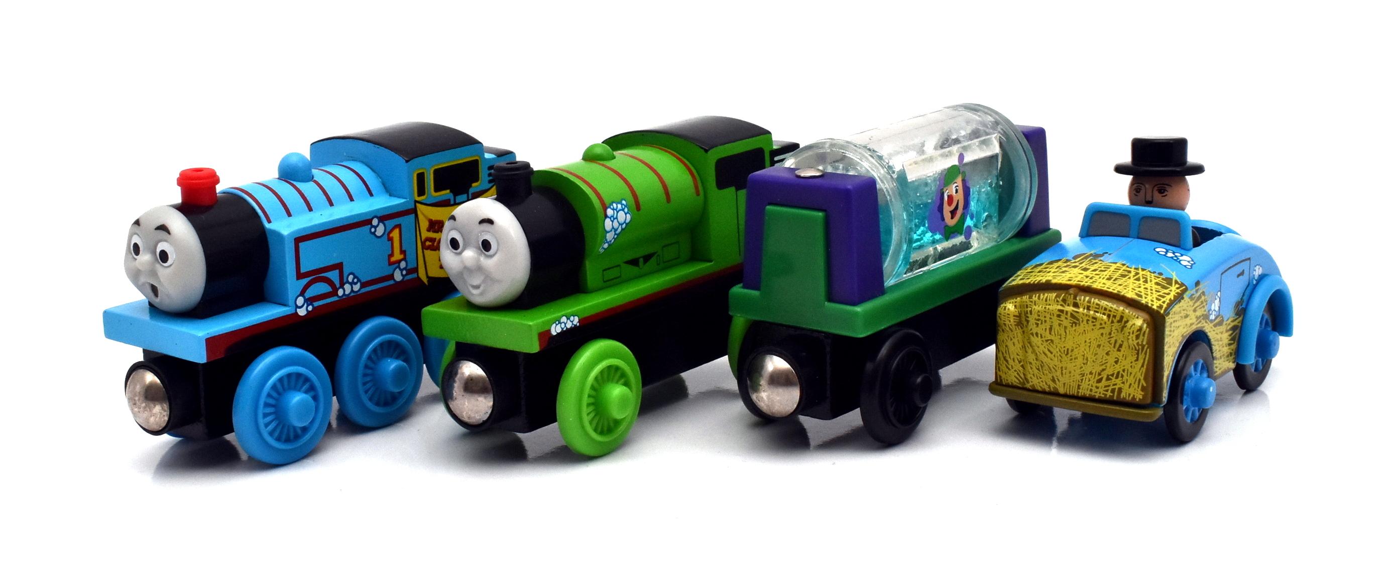 Thomas /& Friends Wooden Railway Slippy Sodor Gift Pack New