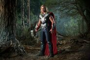 Avengers-movie-image-chris-hemsworth-2-600x400