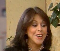 Elaine Giftos as Darlene