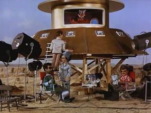 Flying-Saucer-Mockup