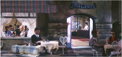 Customers Atalante Resteurant outside