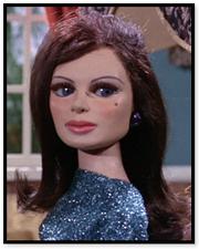 Wanda Lamour (Lady Penelope)2