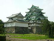 200px-Nagoya Castle 01