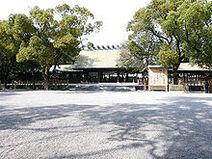 220px-Atsuta Shrine 01
