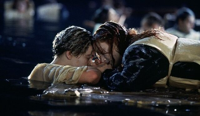 File:Rose and Jack in the water.jpg