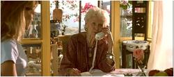 Rose âgée téléphone