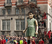 Little Giant Girl, Albion House