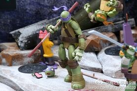 02 Revoltech TMNT scaled 600