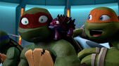 Mikey-and-Raph-TMNT-109