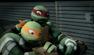 Mikey-and-Raph-TMNT-59
