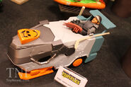 The-Slamboni-Vehicle-with-unmasked-Casey-Jones-TMNT-New-York-Toy-Fair-2015