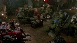Teenage-Mutant-Ninja-Turtles-1990film-pic-2