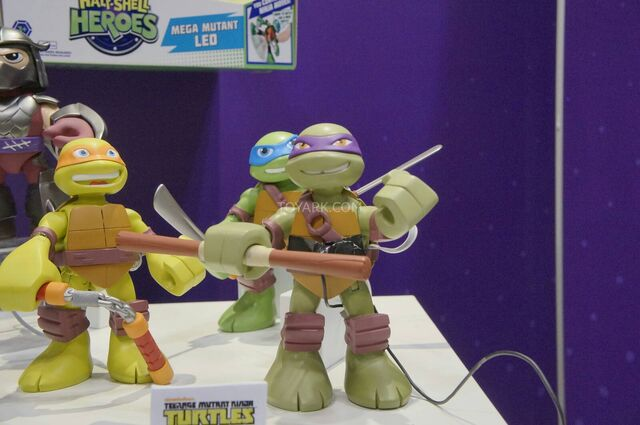 File:Toy-Fair-2014-Playmates-TMNT-Half-Shell-Heroes-009.jpg