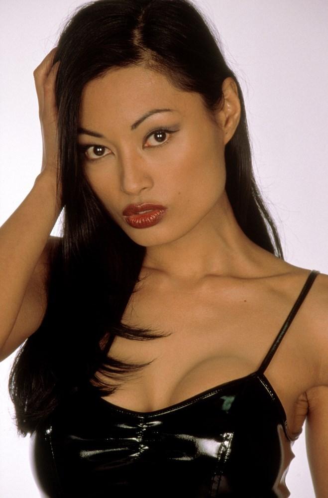 Kira Clavell Nude Photos 79