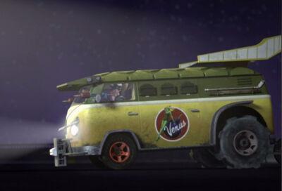 309-party-wagon-cc3b4tc3a9-gauche