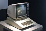 1024px-Apple II Plus, Museum of the Moving Image