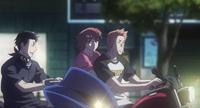 Fura, Aki y Ryu en Motocicleta