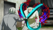 Yamori using his kagune to block Kureo's quinque