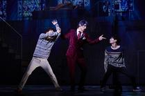 Tsukiyama has a hold of Nishiki and Kaneki