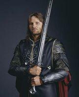 Anduril e Aragorn nella versione di Peter Jackson