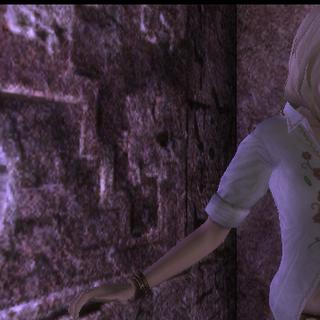 Amanda queriendo sacar la piedra